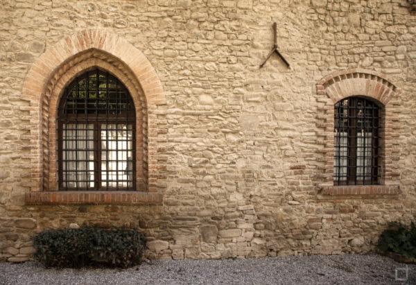 Mura e finestre ad arco