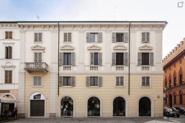 Cremona la citt delle 3 t e del violino visita di una for Citta design outlet