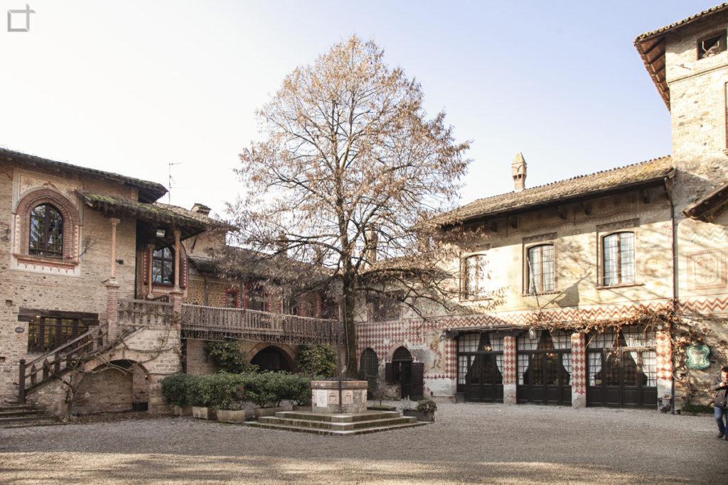 Piazza Gian Galeazzo Visconti - Grazzano Visconti provincia di Piacenza