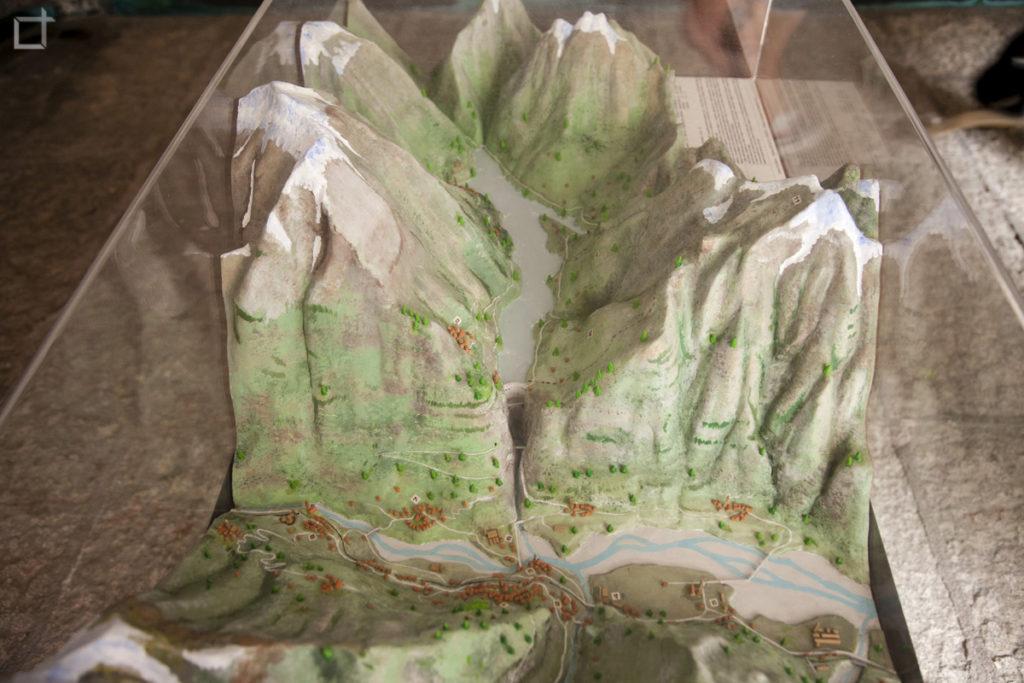 Plastico diga del Vajont e Monte Toc
