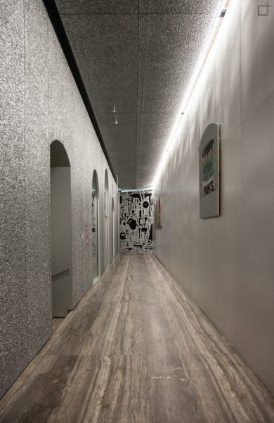 Schiuma di Alluminio dentro al Podium - Corridoio