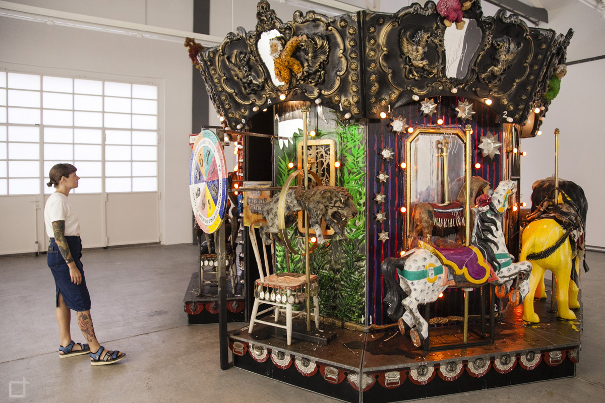The Merry-Go-World or Begat By Chance and The Wonder Horse Trigger - Kienholz - Ingresso