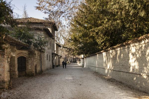 Vicolo borgo medievale Piacenza