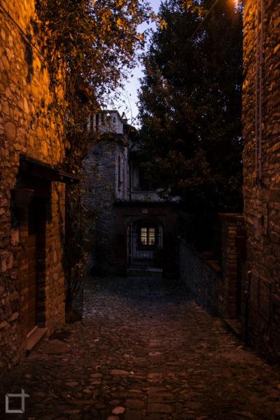 Borgo Medievale di Sera