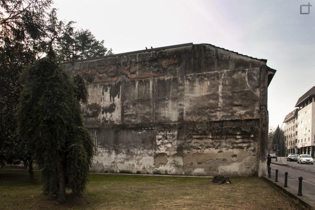 Casa Decadente con Parco