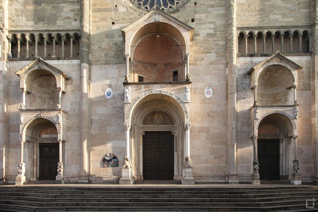 Ingresso Duomo di Piacenza