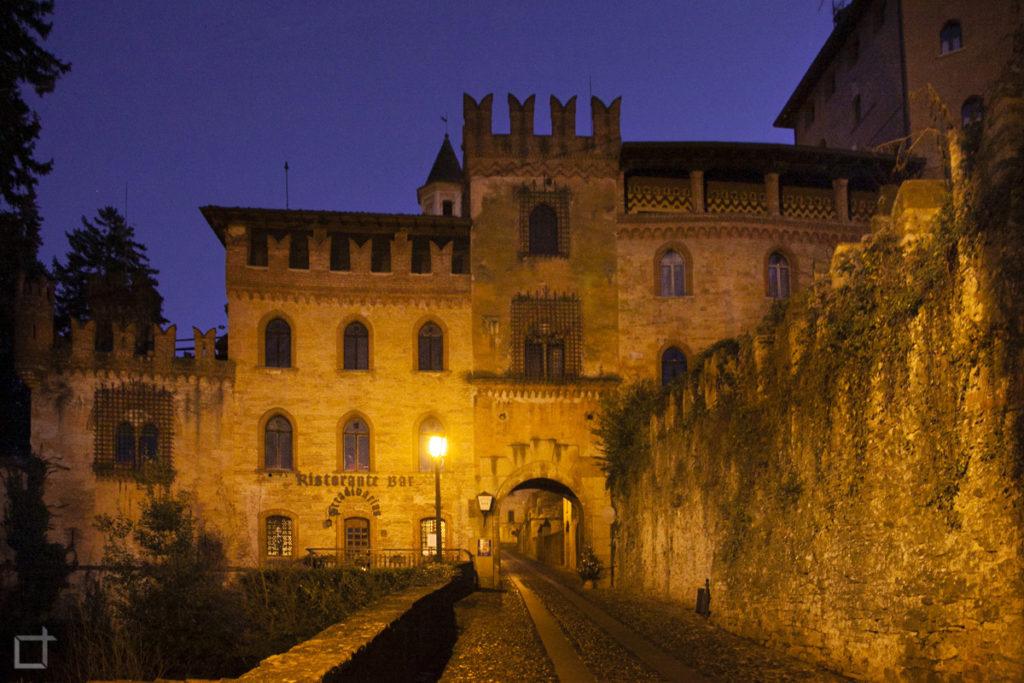 Ingresso con Porta a Castell'Arquato