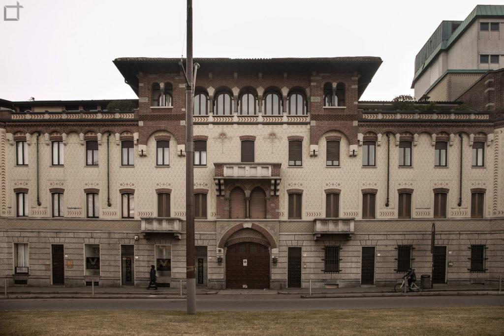 Legnano Piazza Monumento Edificio Storico