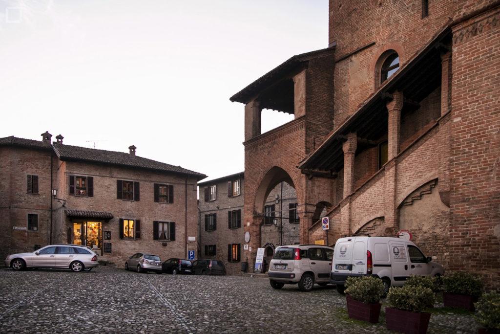 Palazzo del Podestà in Piazza Monumentale