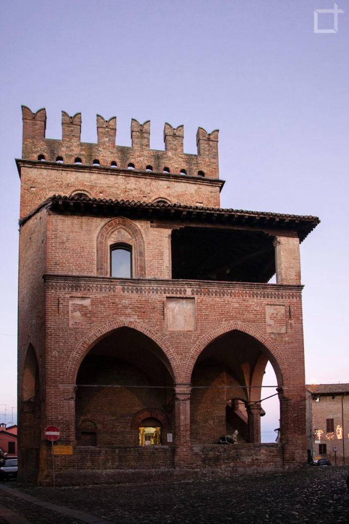 Palazzo del Podestà vista frontale