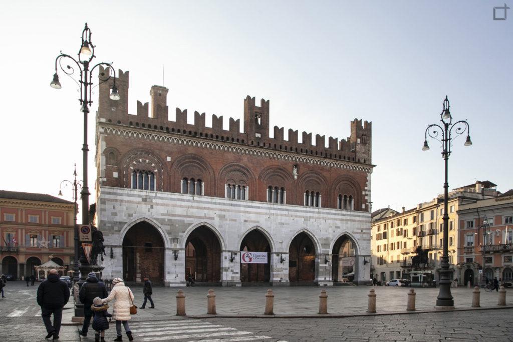Piacenza Cosa Vedere in 1 Giorno - Palazzo Gotico