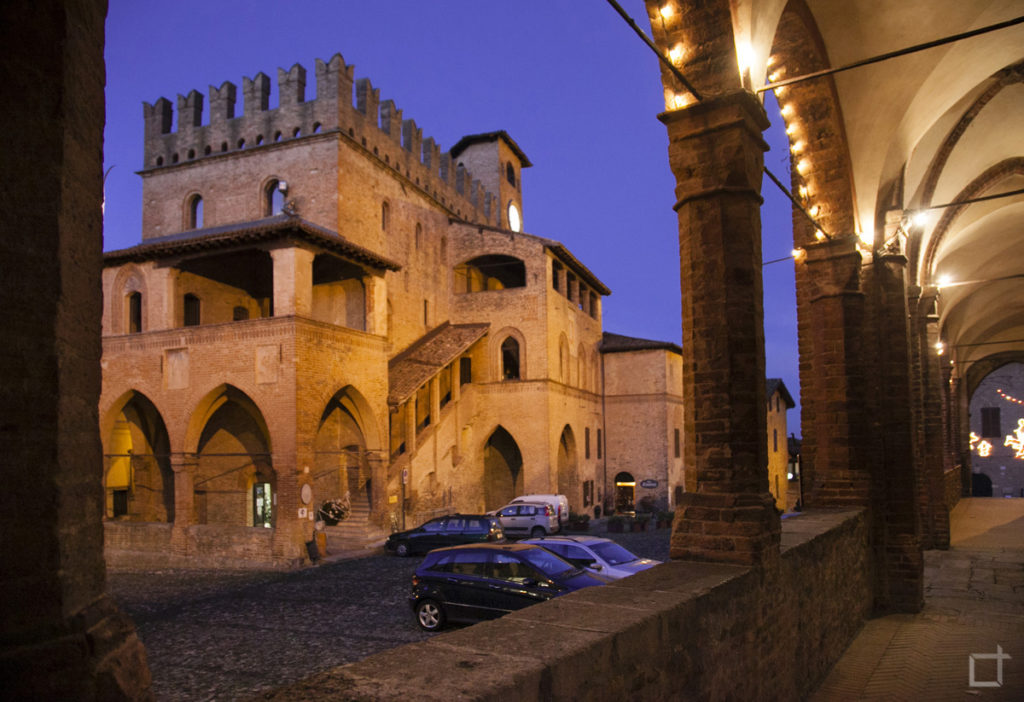 Portici del Paradiso e Palazzo del Podestà
