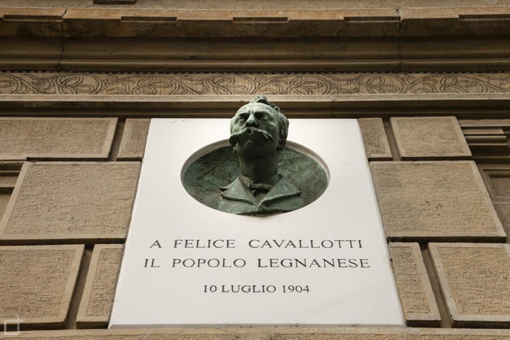 Statua Felice Cavallotti