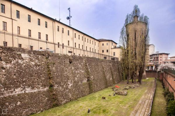 Fossato mura e Torrione del Castello Visconteo di Lodi