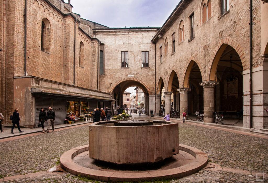 Lodi Broletto e Fontana