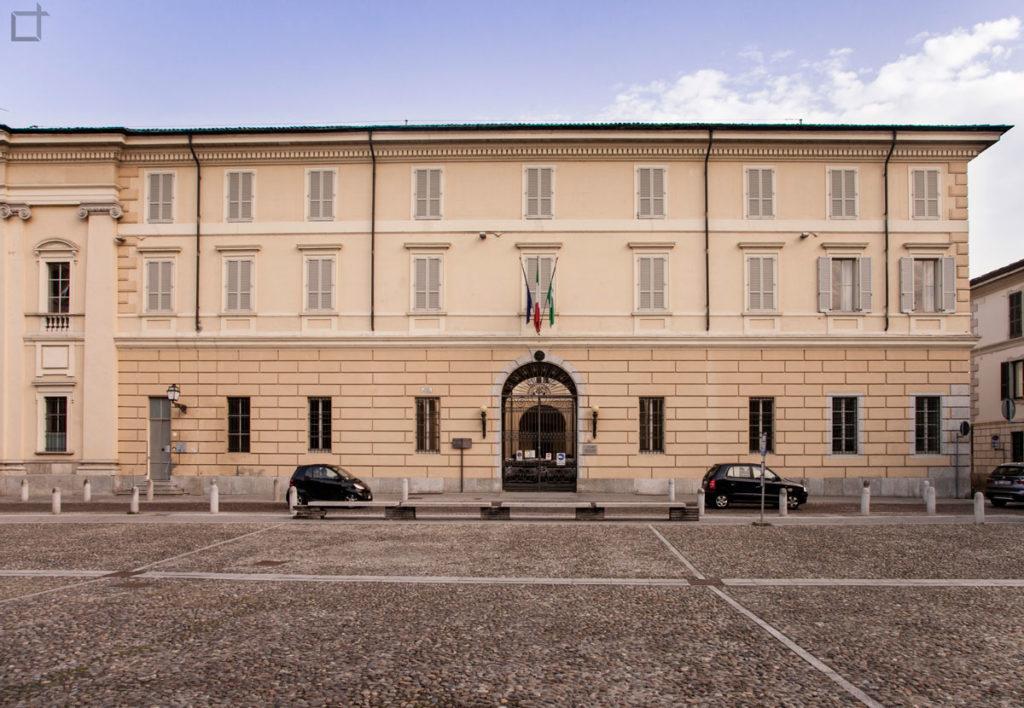 Lodi Piazza Ospitale - Palazzo Azienda Sanitaria