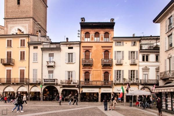 Piazza della Vittoria e Palazzi Storici di Lodi