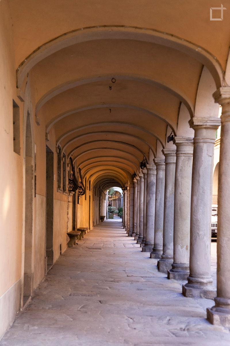 Porticato del Centro Storico di Poppi - Arezzo