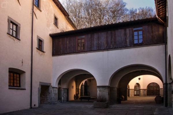 Refettorio e stanze per soggiorni a Chiusi di La Verna