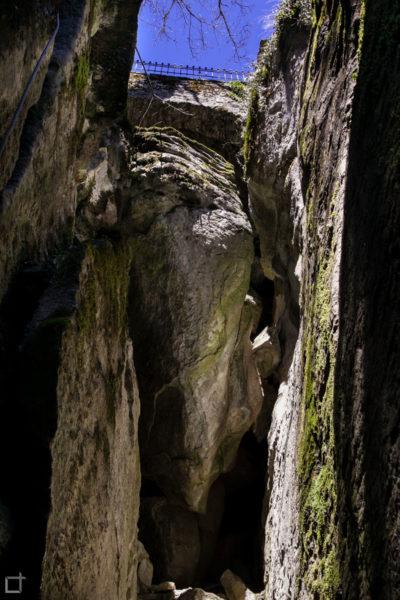 Sasso Spicco - Roccia a Strapiombo