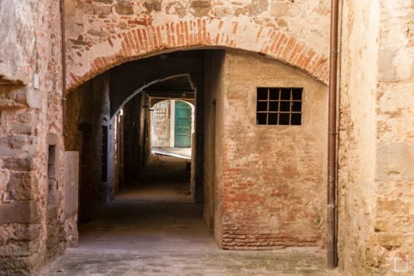 Vicoli del Centro Storico - Portico