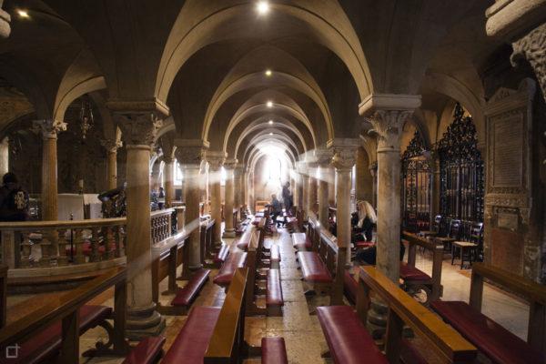 Cripta duomo di Modena