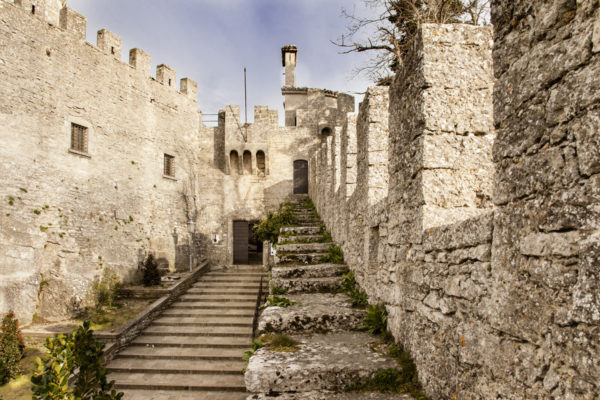 Ingresso alla Rocca - Torre Cesta