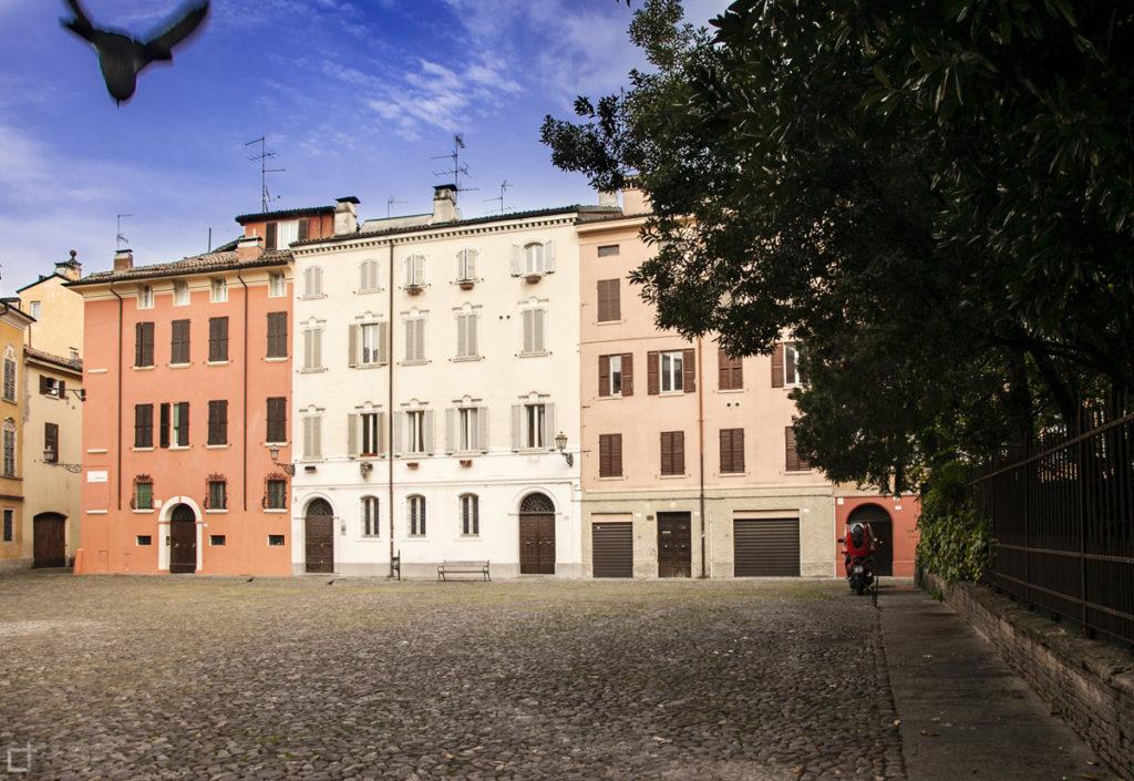Piazza della Pomposa Modena - Edifici Colorati