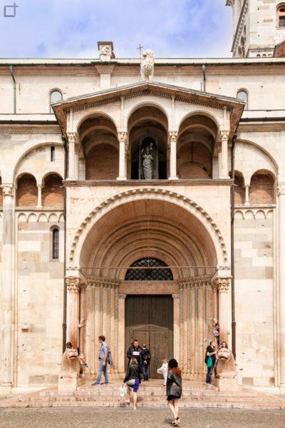 Porta Regia - Duomo di Modena con Archi, Leoni e Porticato
