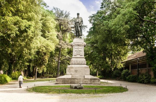 Statua di Nicola Fabrizi nel Parco Ducale Estense