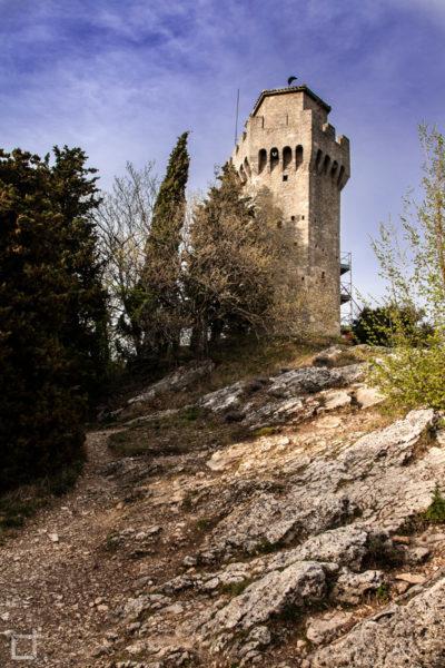 Torre Montale da Vicino