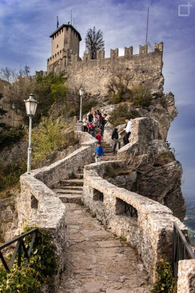 Torre Rocca o Guaita Sentiero delle Streghe