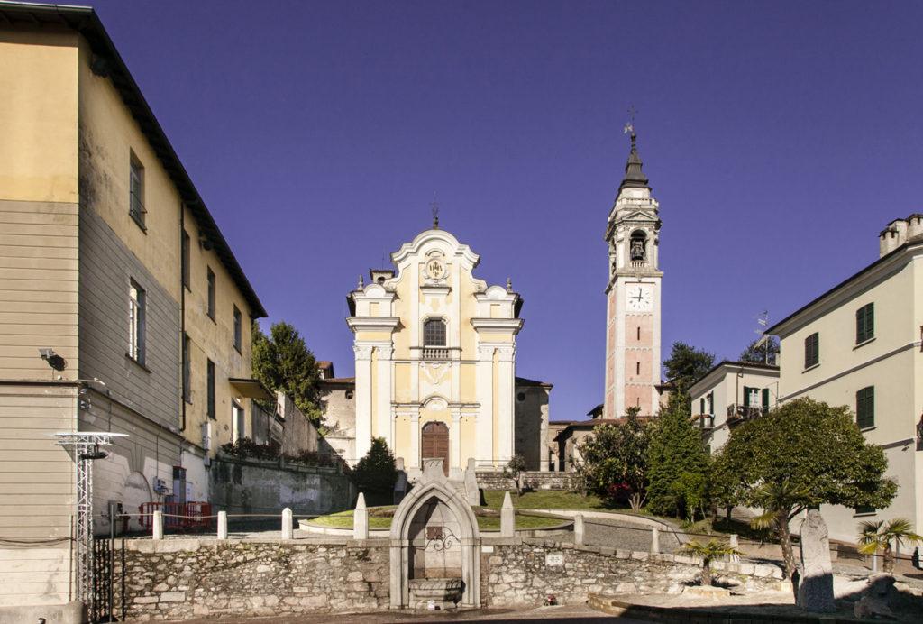 Chiesa di San Graziano su Piazza San Graziano - Arona