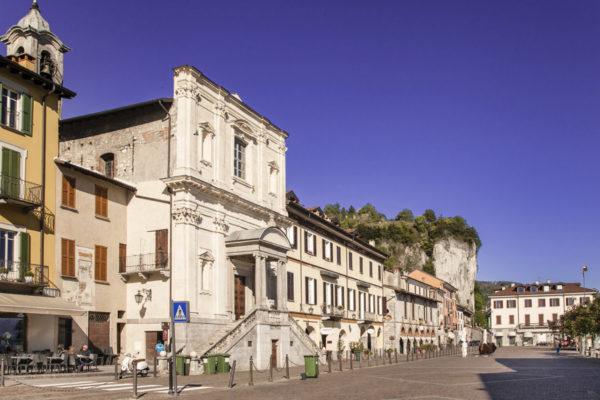 Chiesa di Santa Maria di Loreto in Piazza del Popolo - Arona