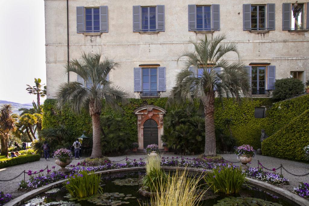 Fontana e Palazzo Borromeo - Tour Lago Maggiore