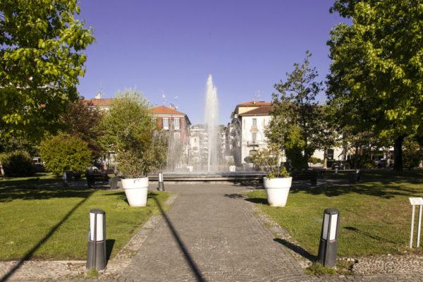Fontana sul lungolago di Arona