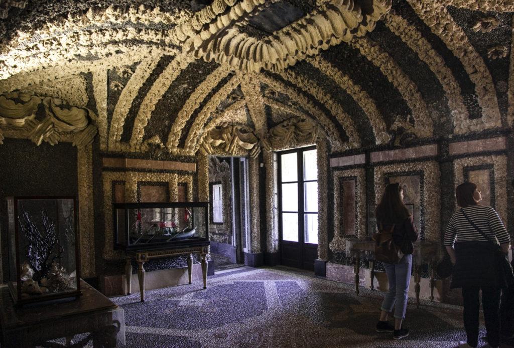 Grotte - Palazzo Borromeo