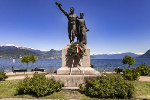Stresa - Statua Monumento ai Caduti