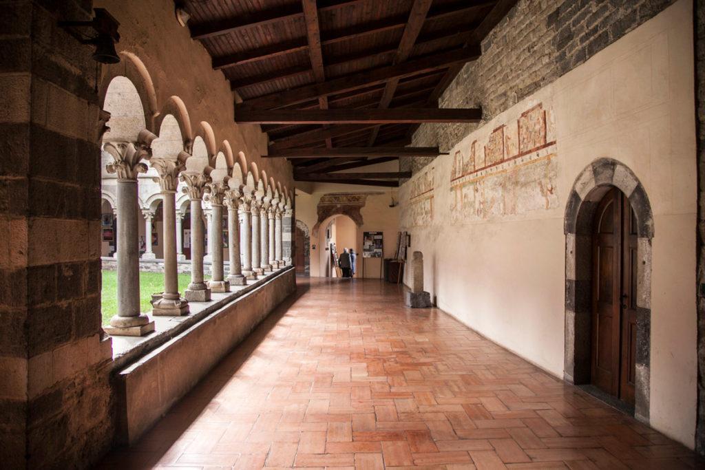 Archi del Chiostro Abbazia Cistercense di Piona
