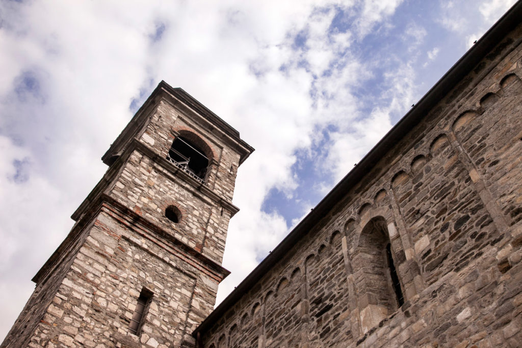 Campanile e Chiesa di Piona - Colico a Lecco
