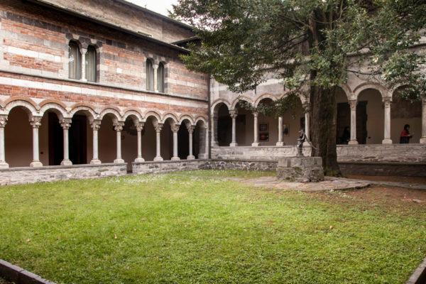 Chiostro Gotico - Porticato Abbazia di Piona