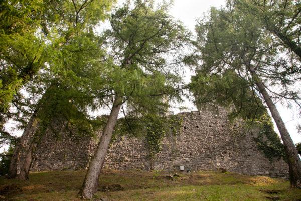 Mura di Castello di Vezio - Lecco