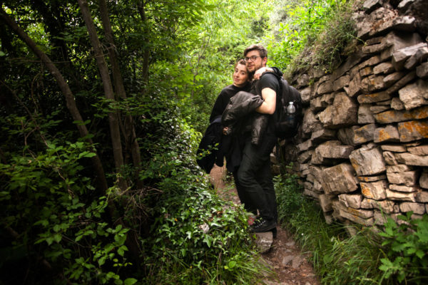 Stefano e Claudia a Varenna nella Natura