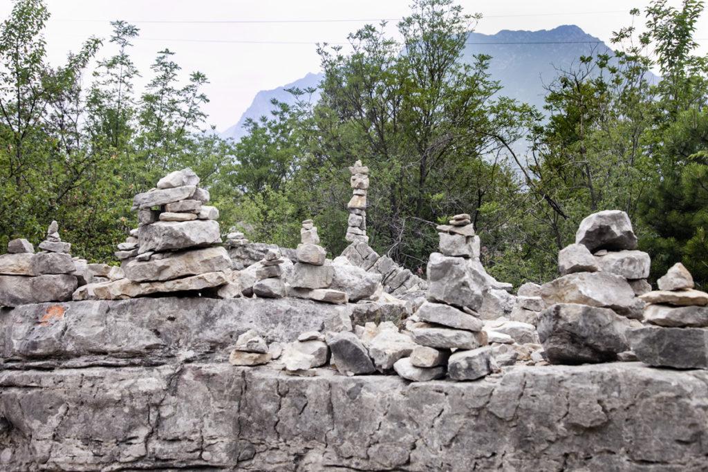 Ammassi di Sassi - Preghiere - Lago di Garda