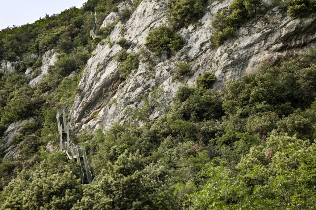 Monte Baldo e Scalinata Sospesa del sentiero Busatte Tempesta