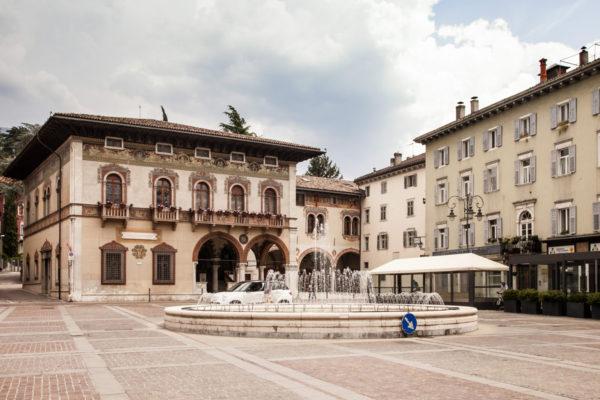 Piazza Rosmini e Palazzo del Ben a Rovereto