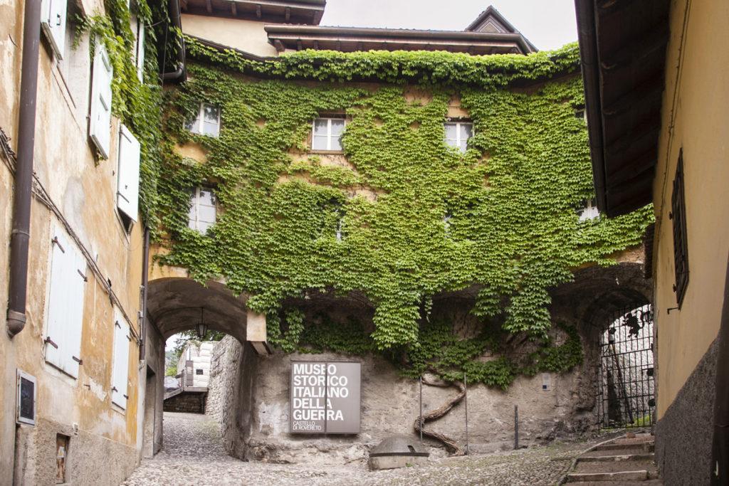 Piazzetta Verde - Castello di Rovereto - Museo della Guerra