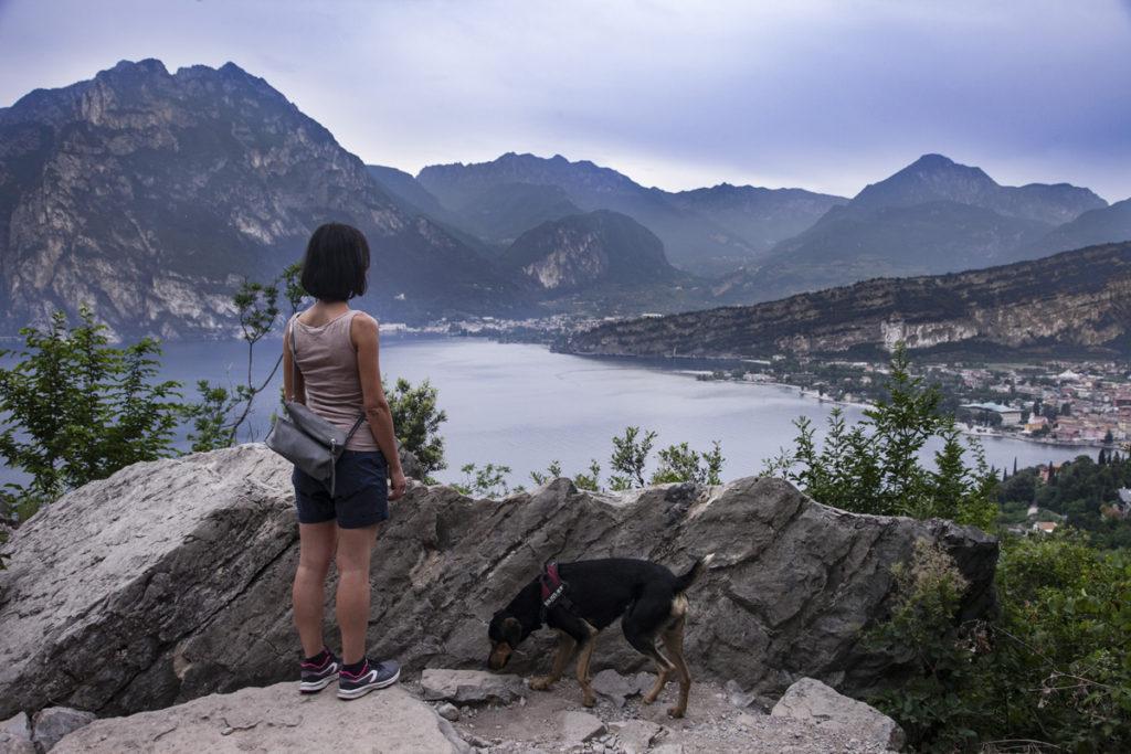 Valentina e Grover sul lago di Garda