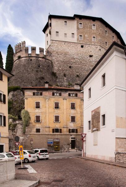 Visione del Castello dal Ponte Forbato