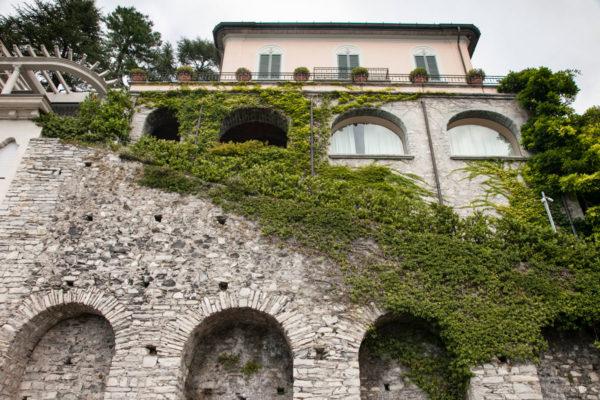 Mura e Vegetazione a Como